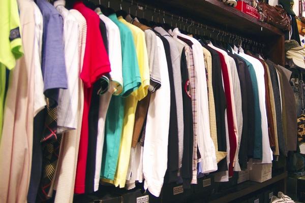 安い服を衝動買い